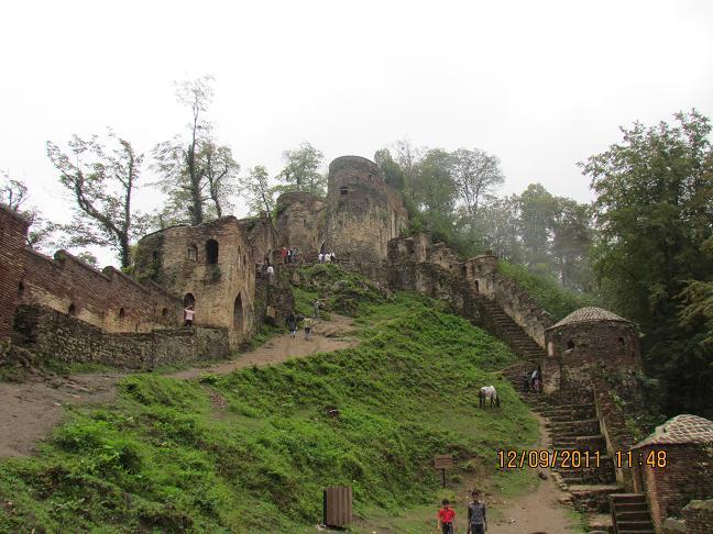 قلعه رودخان- فضای داخلی قلعه