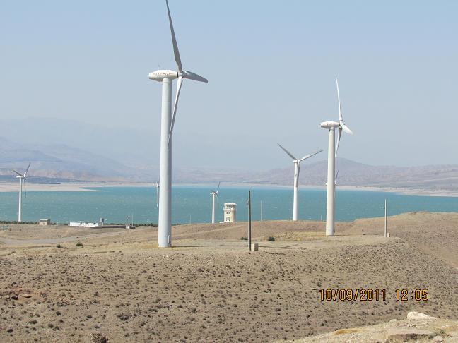 منجیل- نیروگاه بادی و دریاچه سد سفیدرود